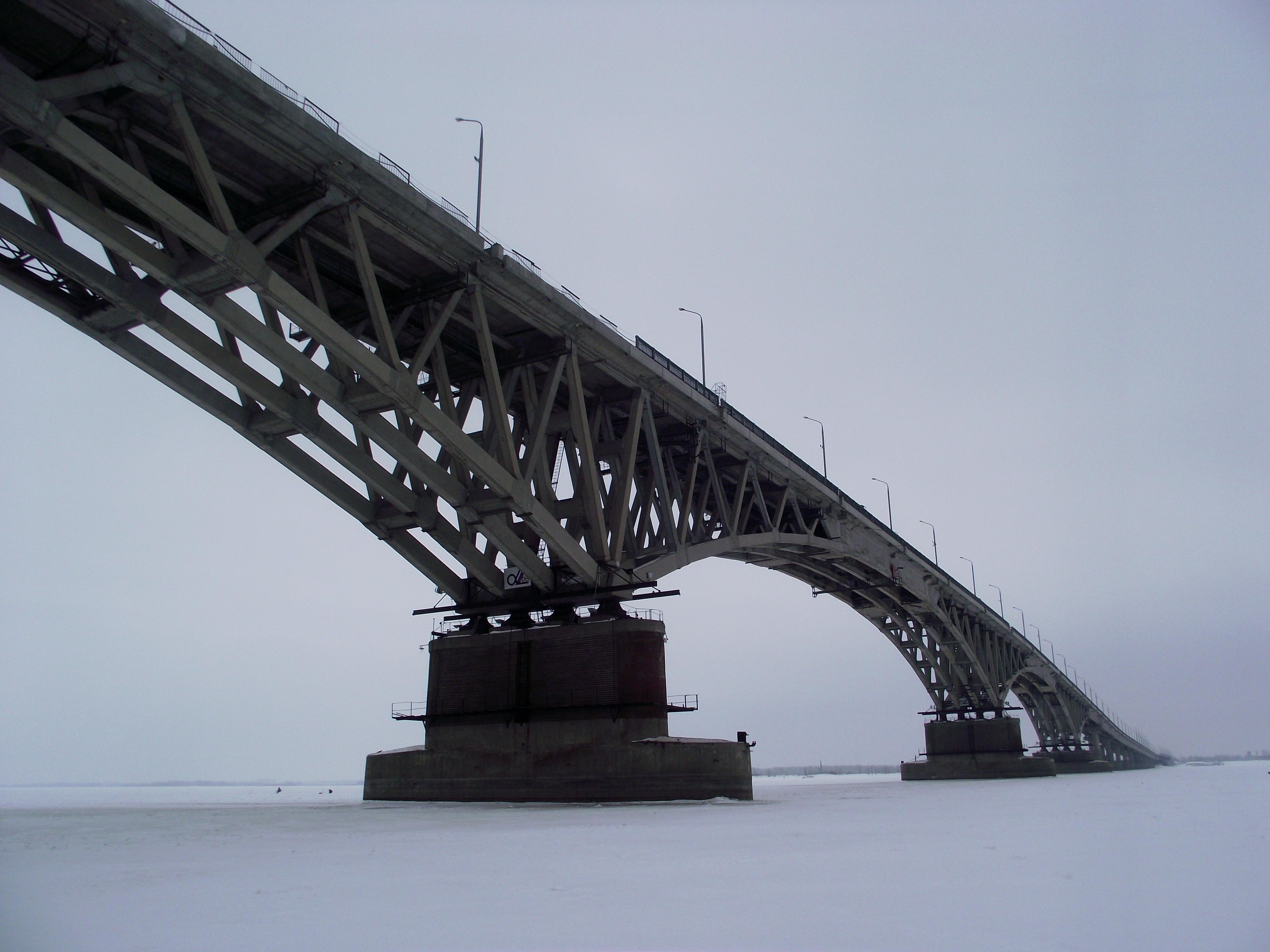 Acoustic emission test of bridges