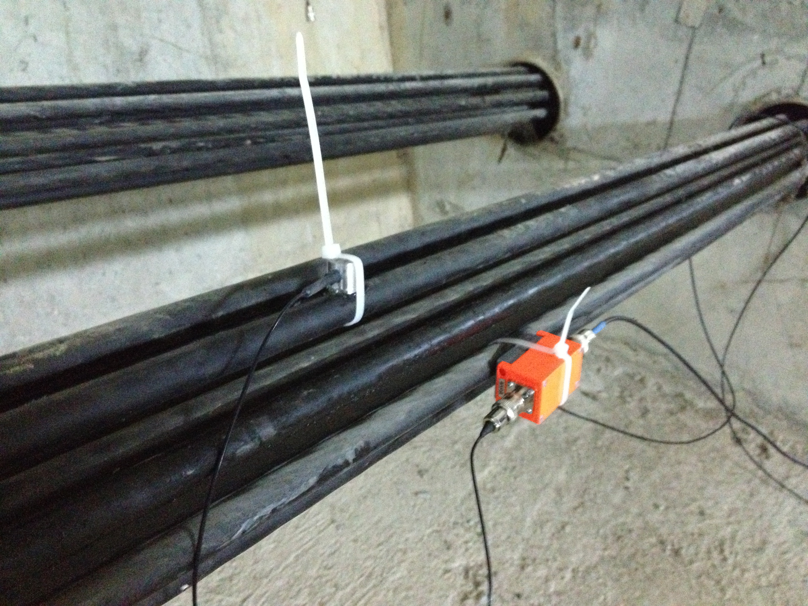 acoustic emission inspection of corrosion in bridge cables